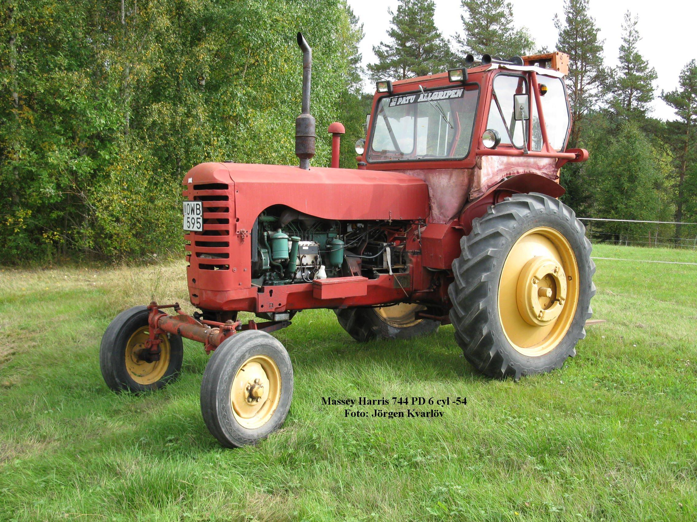 Massey Harris 744 : Lastbilar traktorer torsby motorveteraner